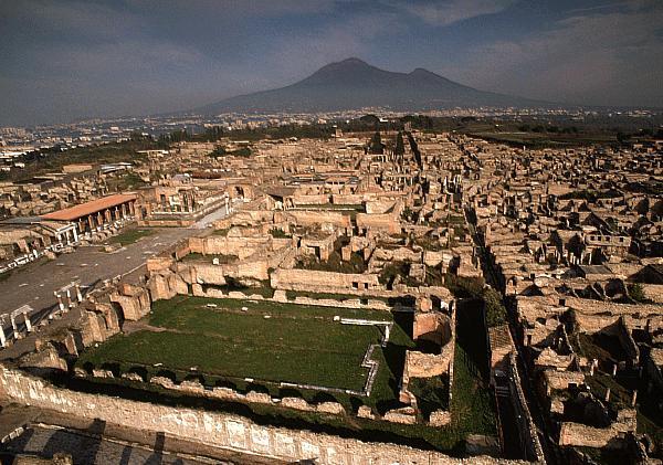 https://www.zerottounonews.it/wp-content/uploads/2018/01/big_pompei_scavi.jpg