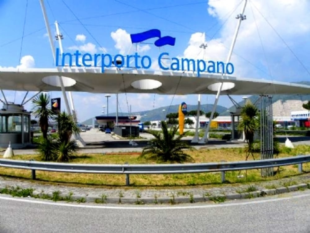 https://www.zerottounonews.it/wp-content/uploads/2019/08/Interporto-Campano-2.jpg