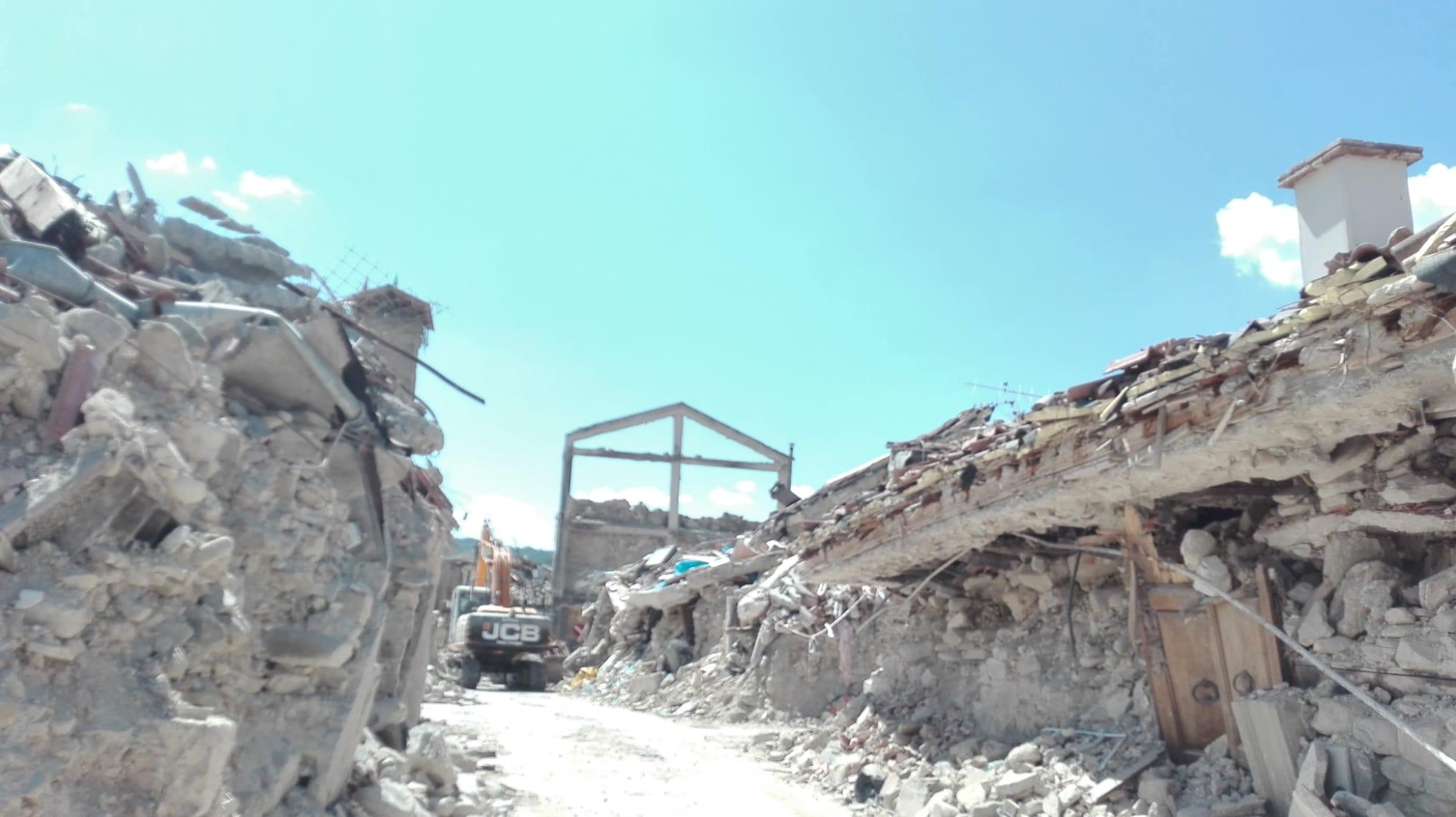 """""""Amatrice: ieri, oggi e domani"""", il reportage a 3 anni di distanza dal terremoto"""