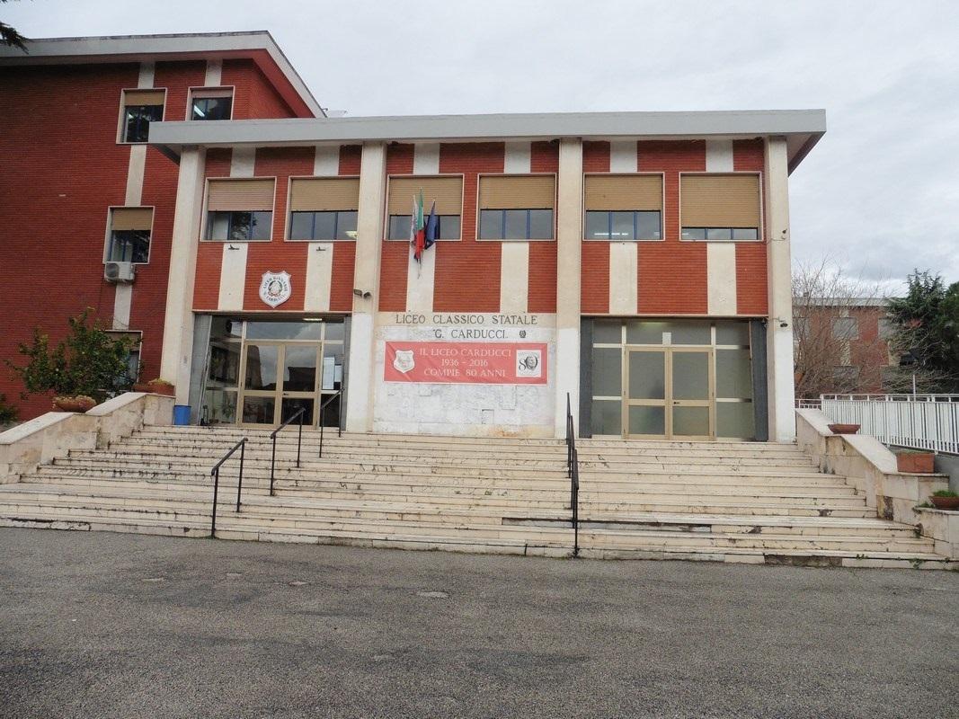 https://www.zerottounonews.it/wp-content/uploads/2020/01/Nola-Liceo-Carducci-1.jpg