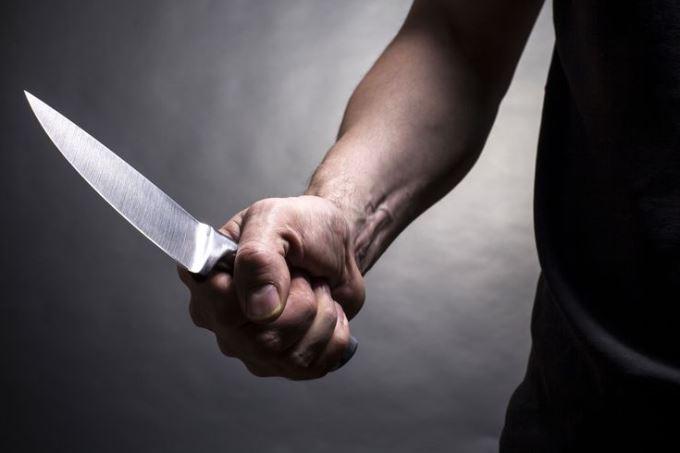 https://www.zerottounonews.it/wp-content/uploads/2020/05/coltello-siracusa-times.jpg