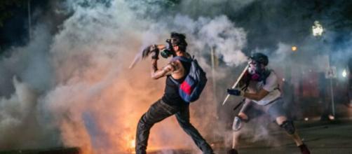 https://www.zerottounonews.it/wp-content/uploads/2020/08/usa-terza-notte-di-proteste-in-wisconsin-un-morto-e-due-feriti-mediasetit_2507510.jpg