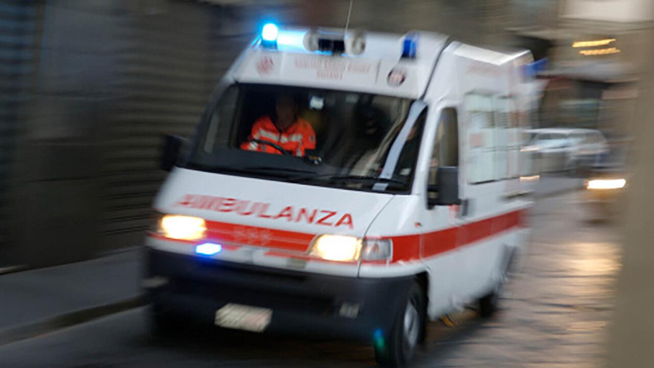 https://www.zerottounonews.it/wp-content/uploads/2021/05/ambulanza-soccorso-1280x720.jpg