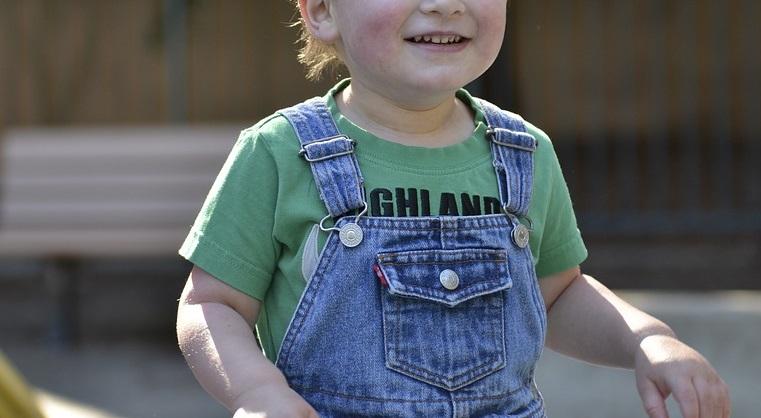 https://www.zerottounonews.it/wp-content/uploads/2021/06/autism-2457327_960_720.jpg