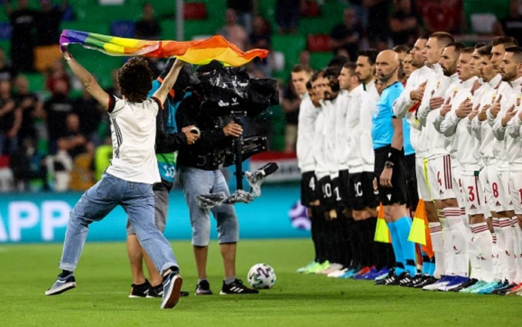 Gli Europei di calcio sono diventati un caso per i diritti LGBT