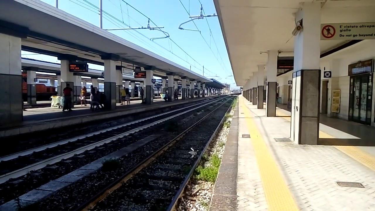 https://www.zerottounonews.it/wp-content/uploads/2021/06/treno-binari-campania.jpg