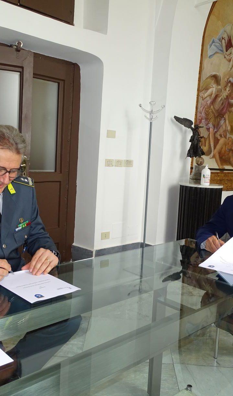 Formazione e Ricerca: la Guardia di Finanza scende in campo con l'Università Suor Orsola Benincasa
