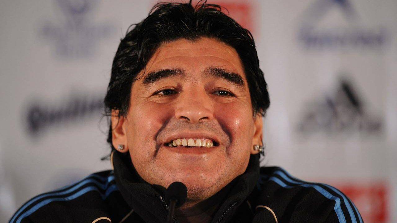 https://www.zerottounonews.it/wp-content/uploads/2021/07/maradona-1280x720.jpg