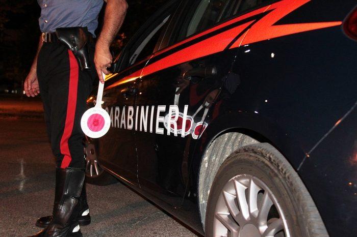 Rave party in un casolare abbandonato: intervengono i carabinieri nel Napoletano