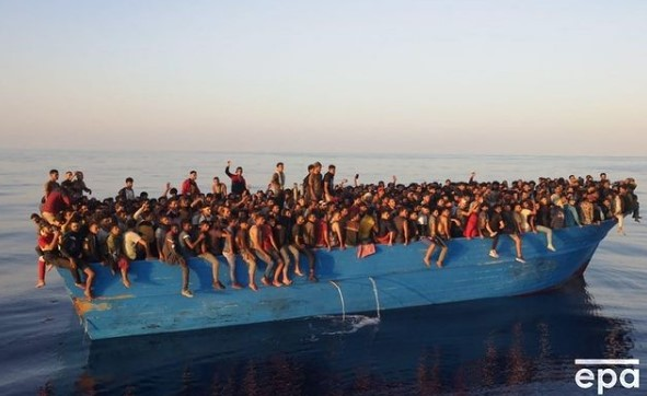 https://www.zerottounonews.it/wp-content/uploads/2021/08/migranti-lampedusa.jpg