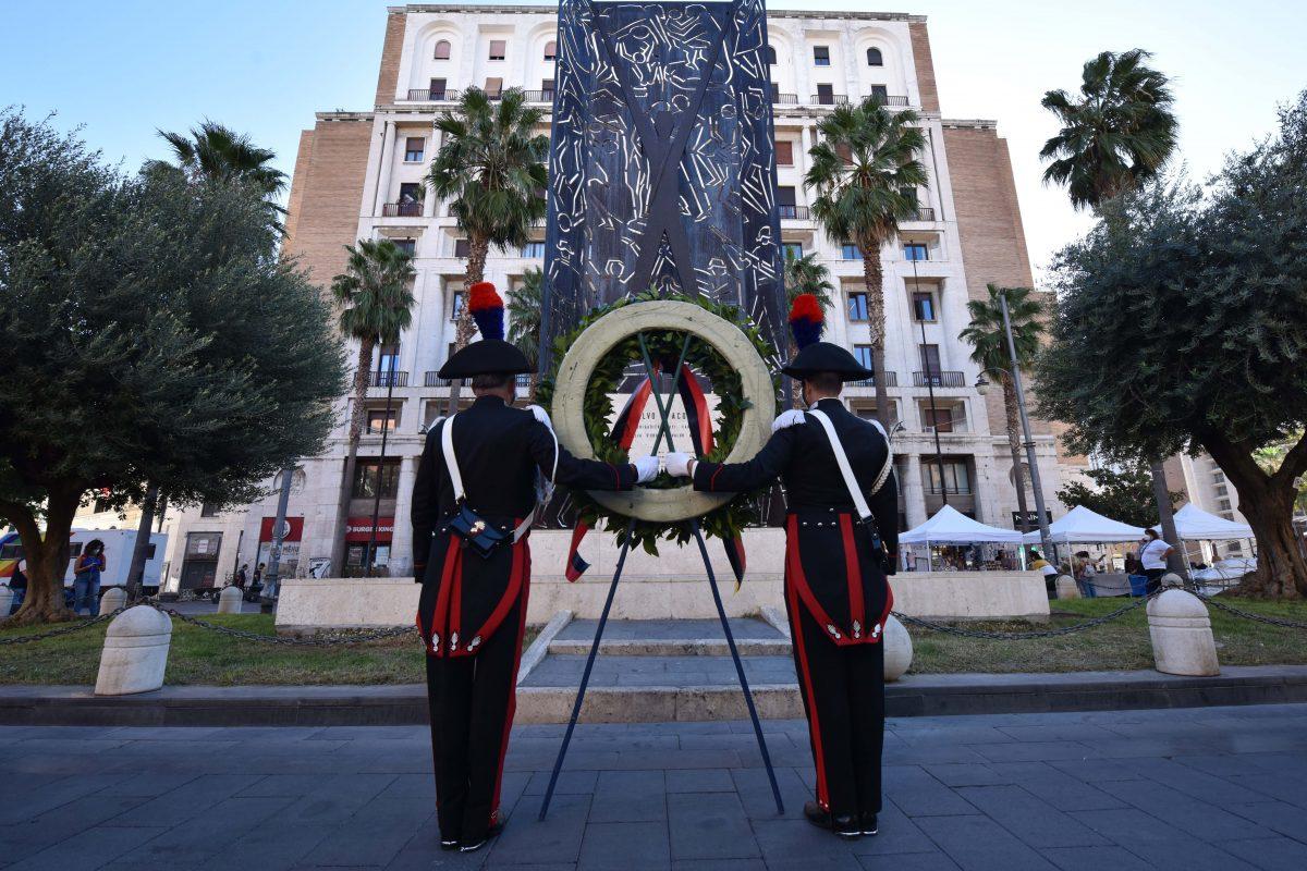 In memoria di Salvo D'Acquisto: corona d'allora sulla tomba da parte dei vertici dei Carabinieri e dal Prefetto