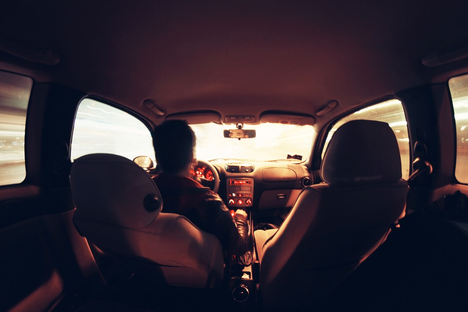 https://www.zerottounonews.it/wp-content/uploads/2021/09/guidare-auto.jpg