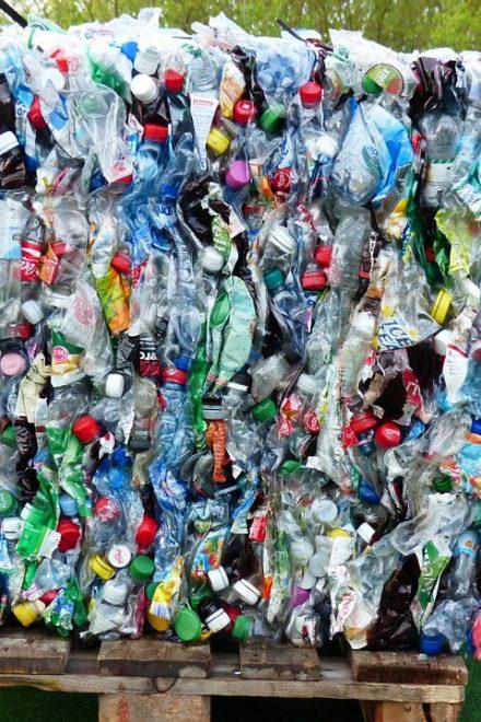 L'Italia si sta preparando a dire addio alla plastica con un decreto legislativo