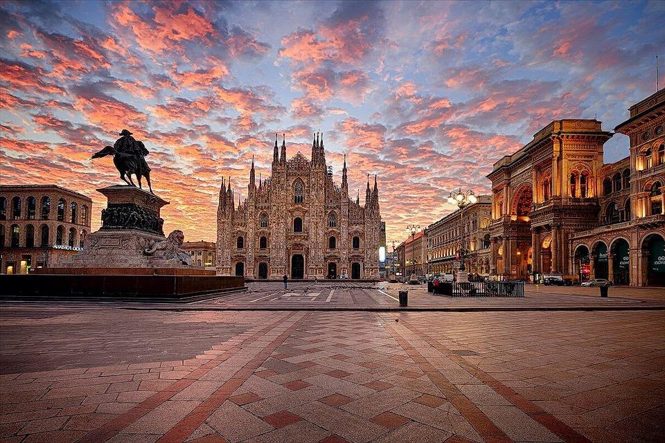 https://www.zerottounonews.it/wp-content/uploads/2021/10/milan-cathedral-6532726_960_720.jpg