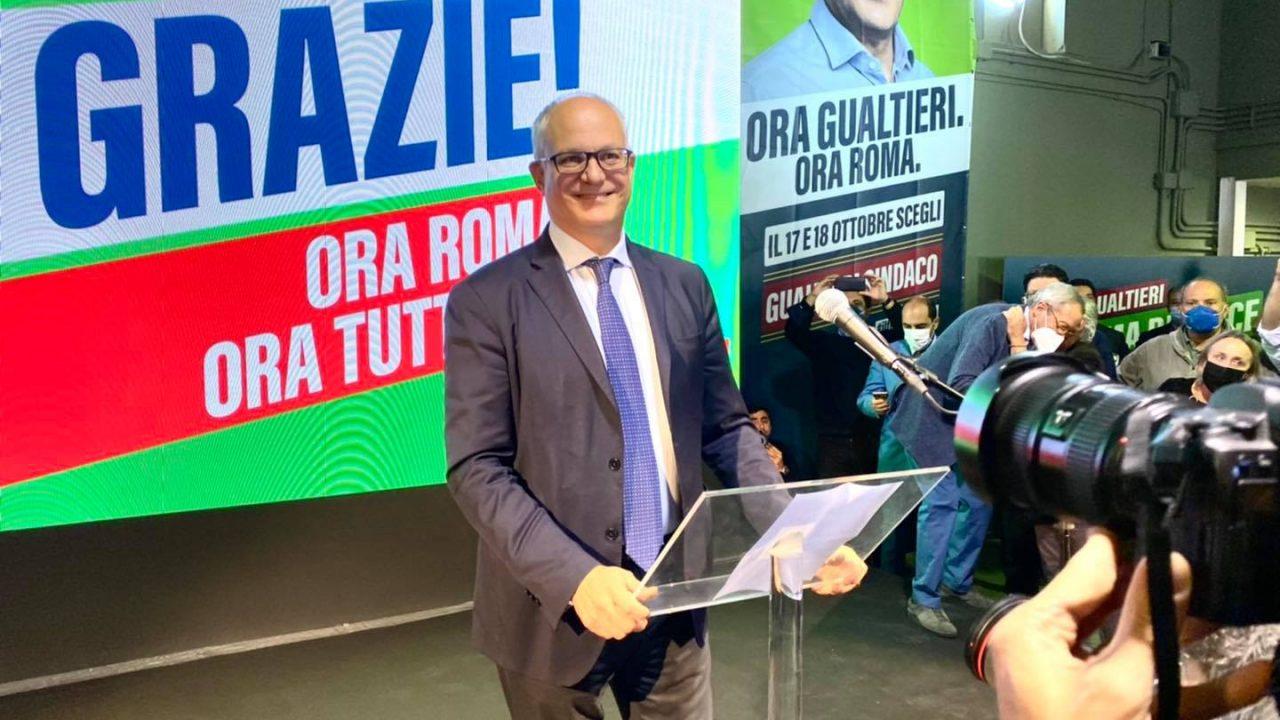 https://www.zerottounonews.it/wp-content/uploads/2021/10/roberto-gualtieri-roma-1280x720.jpg